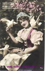 Žena a holubice